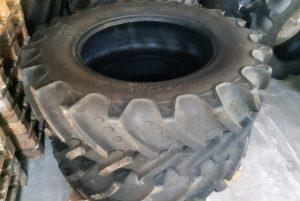 Reifen 420/70R30 BKT